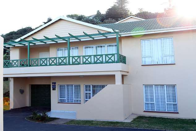 16 maratea ballito central accommodation ballito for Garage with accommodation