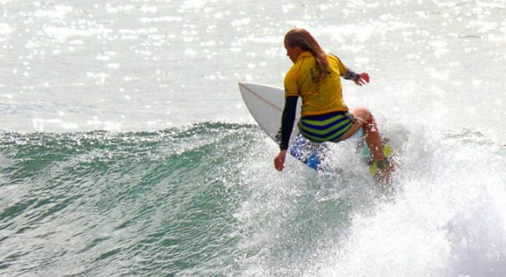 Kelly Surfing