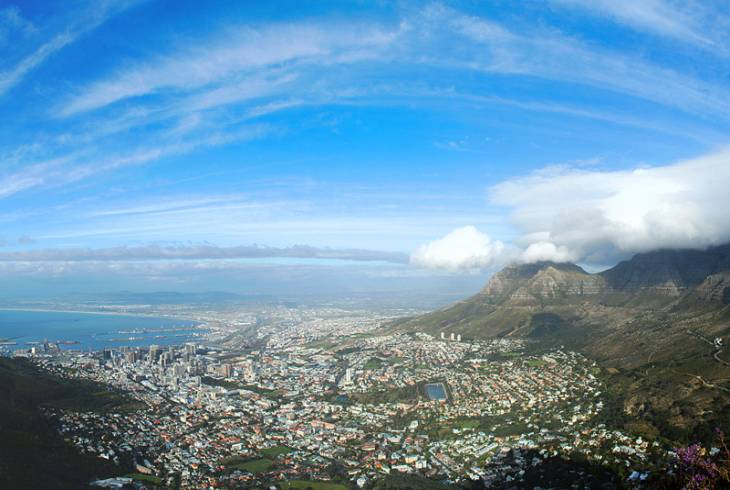 Signal Hill (left), Cape Town city bowl, and Table Mountain (right)